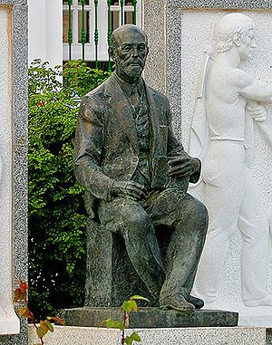 Monumento a Juan Ramón Jiménez, en la plaza de...