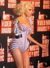 Lady GaGa at 2009 MTV VMA's.jpg