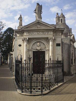 Monumento fúnebre de Julio Argentino Roca, Cem...