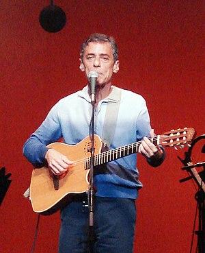Português: O cantor e compositor brasileiro Ch...
