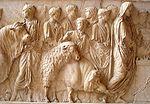 Suovetaurile, Musée du Louvre. Ce sacrifice d un porc, d un mouton et d un bœuf était pratiqué à Rome dans le cadre de cultes publics et officiels.