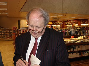Alexander McCall Smith signing books in Helsin...