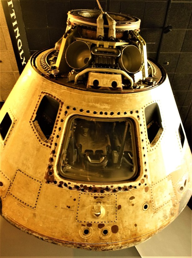 Skylab 4 Apollo Command Module - www.joyofmuseums.com - National Air and Space Museum 2
