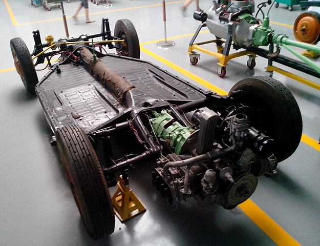 FileThe chassis of Tatra T600 Tatraplan with rear