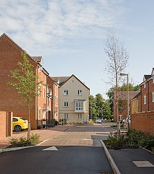 English: Woodleigh, Boyatt Wood A newly-built ...