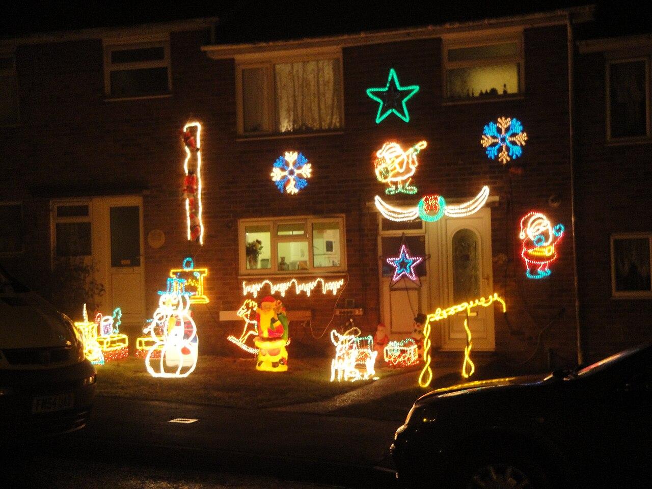 file newport furrlongs top house christmas decorations jpg