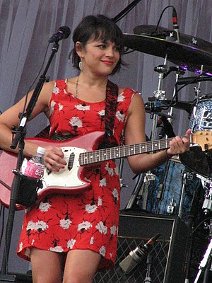 English: Norah Jones performing at Parque Inde...