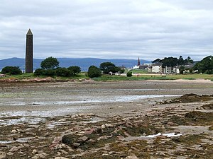 English: The Largs Pencil, Largs A monument to...