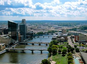English: Downtown Grand Rapids from the 28th f...