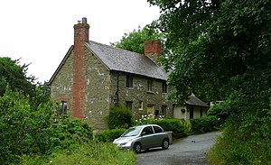 English: Stone cottage at Perton Perton is a h...