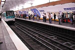 Station Gare du Nord, ligne 5 du métro de Pari...
