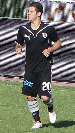 Vieirinha playing for PAOK in 2010.