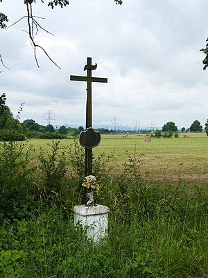 English: Cross in the village of Úsilné, České...