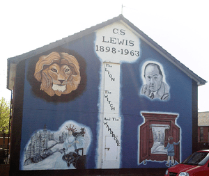 English: Mural depicting C.S. Lewis and images...