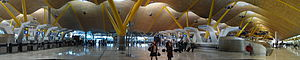 English: Barajas terminal 4 panorama, Madrid.