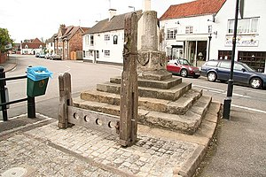 English: Whipping post and stocks Historic pun...
