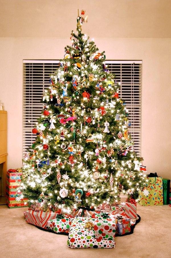 Christmas Traditions - Wikipedia