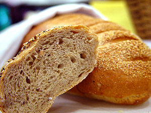 English: bread
