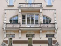 Balcony - Wikipedia