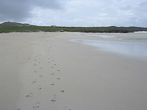 English: Footsteps on Traigh Bail' a Mhuilinn
