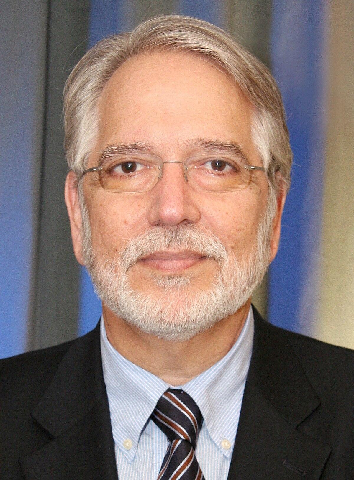 George P Chrousos  Wikipedia
