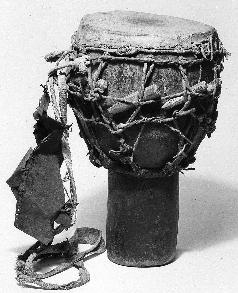 hight resolution of historical djembe