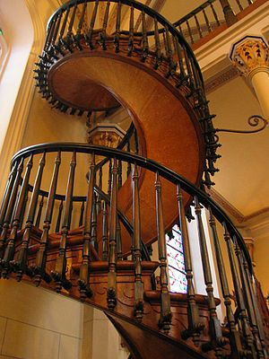 There is no newel at Loretto Chapel's spiral s...