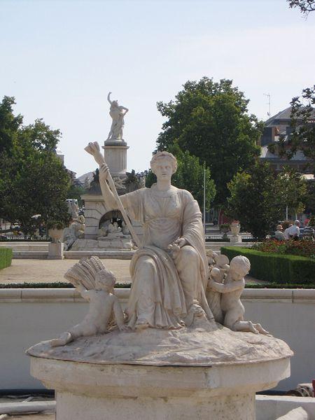 Archivo:Aranjuez JardinParterre FuenteCeres1.jpg