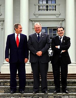 Göran Persson (in the middle) with George W. B...
