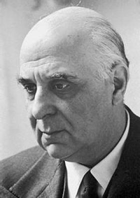 Ο Γιώργος Σεφέρης, Έλληνας διπλωμάτης και ποιητής και ο πρώτος Έλληνας που τιμήθηκε με βραβείο Νόμπελ.