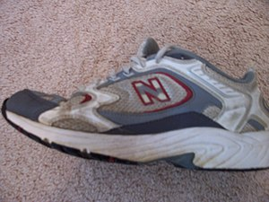 A picture of a New Balance shoe