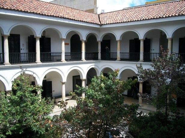 Patio Museo Botero Bogota