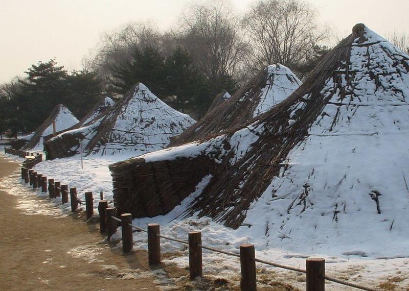 File:Korea-Seoul-Amsadong-Neolithic.age-01.jpg