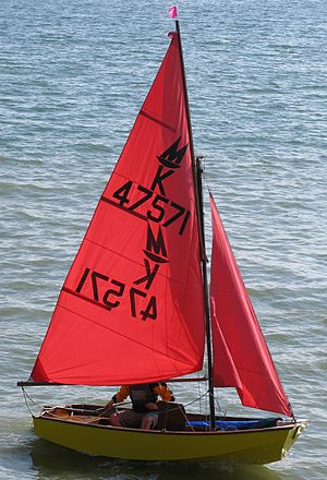English: Mirror sailing dinghy