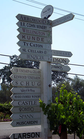 English: Sign in Sonoma Valley directing peopl...