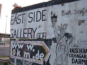 The start of the East Side Gallery in Berlin, ...
