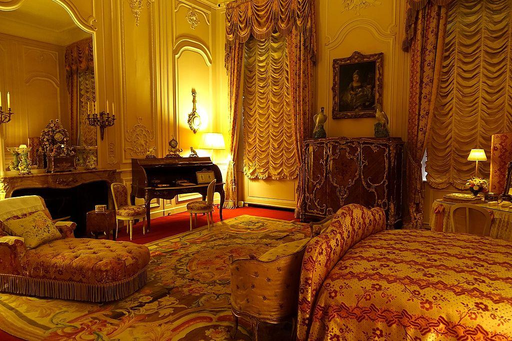 FileState Bedroom  Waddesdon Manor  Buckinghamshire