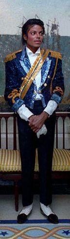 https://i0.wp.com/upload.wikimedia.org/wikipedia/commons/thumb/b/b3/Michael_Jackson_Reagan_Pete_Souza_1984_cropped.jpg/144px-Michael_Jackson_Reagan_Pete_Souza_1984_cropped.jpg