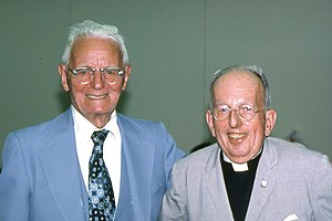 English: Dr. Cornelius Van Til (left) with Dr....
