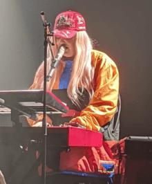 Tones And I Chanteuse : tones, chanteuse, Tones, Wikipedia