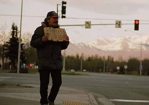 https://i0.wp.com/upload.wikimedia.org/wikipedia/commons/thumb/b/b5/Homeless_anchorage.jpg/512px-Homeless_anchorage.jpg