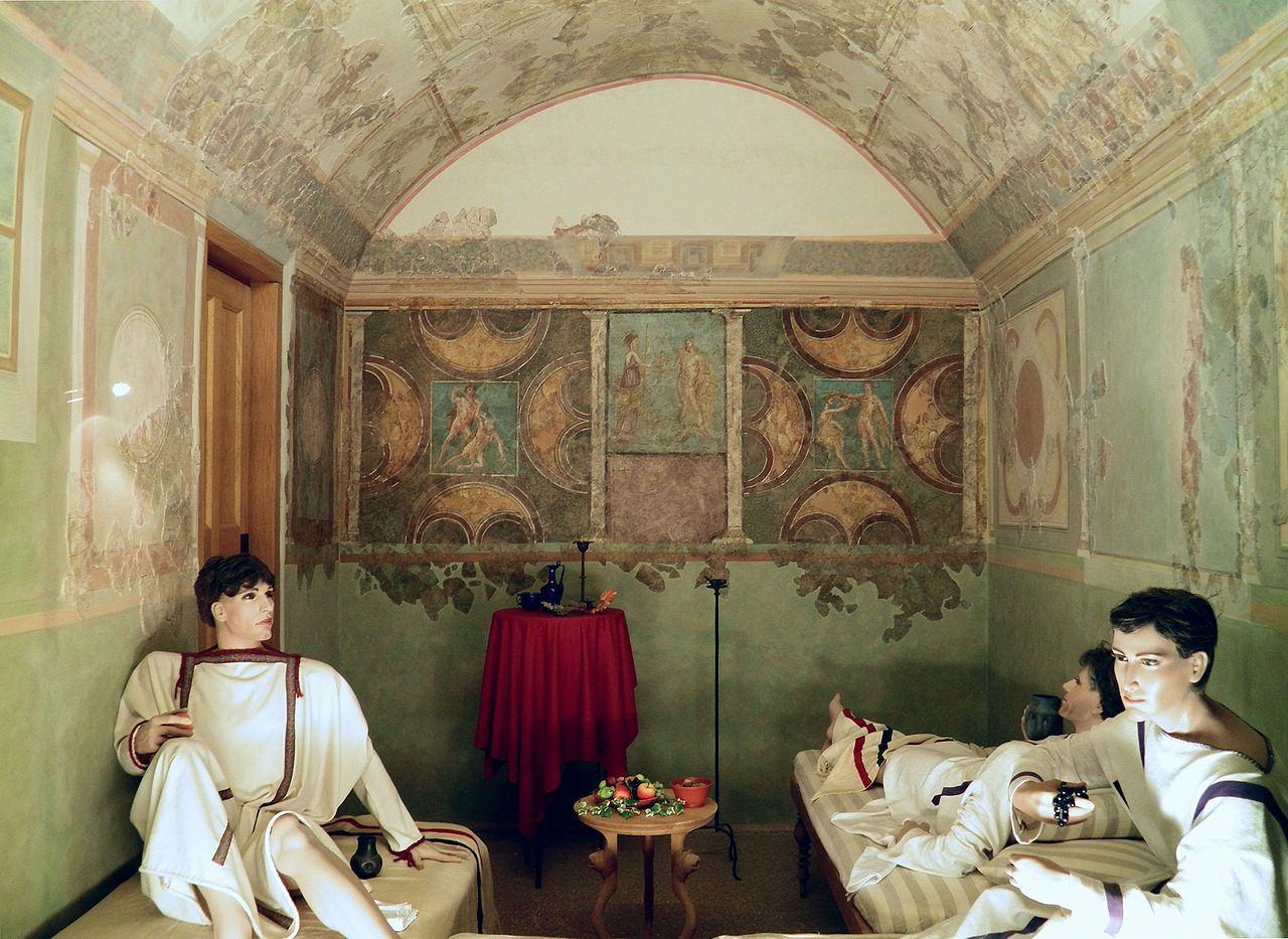 FileA richly decorated triclinium officers dining room