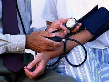 English: Blood pressure measurement.