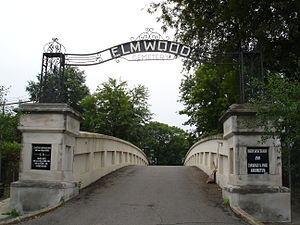 Picture of elmwood cemetery entrance
