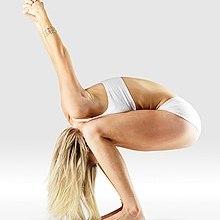 Mr-yoga-oreille-pression-chaise-pose.jpg