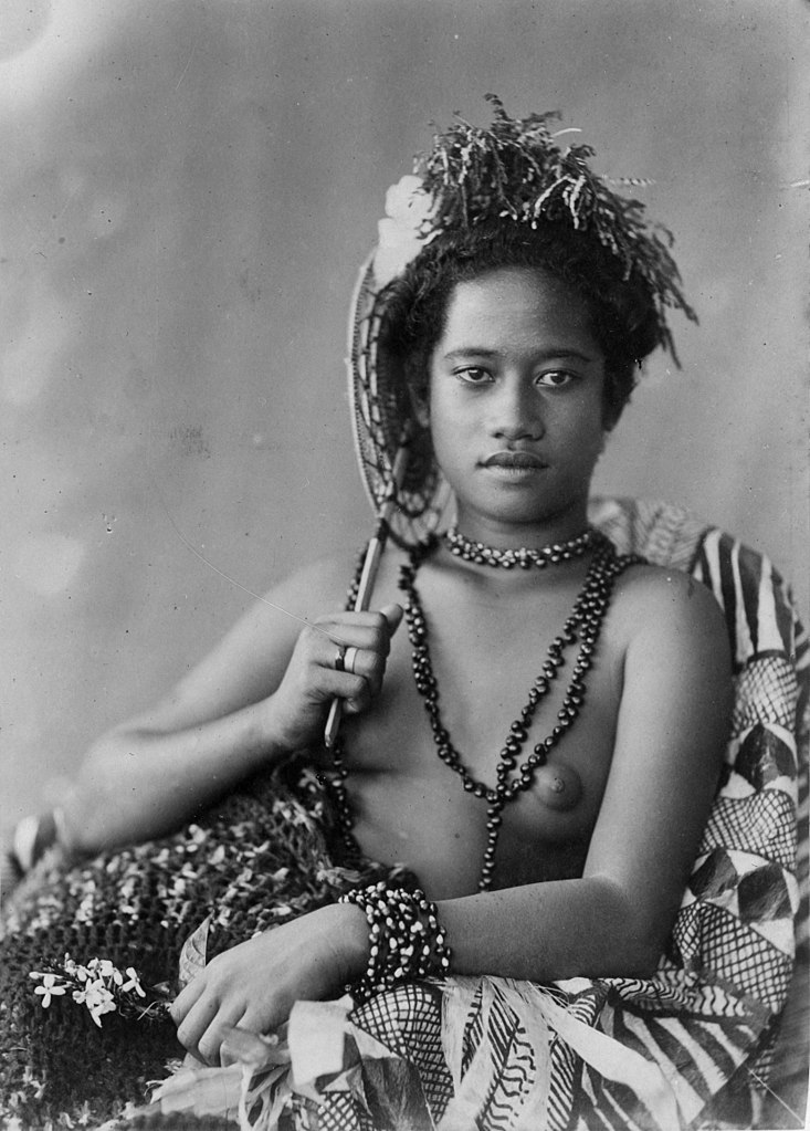 FileYoung Samoan woman with necklace c 1890sjpg