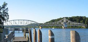 East Haddam (Connecticut) bridge. Swing bridge...