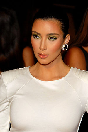 English: Kim Kardashian attending Maxim's 10th...