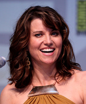 English: Lucy Lawless at the 2010 Comic Con in...