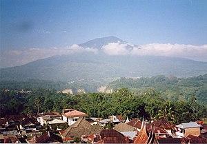 Photo taken by MichaelJLowe of Mount Singgalan...